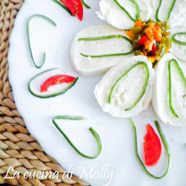 Ricette - Fiore di mozzarella di bufala con peperoncini all'olio